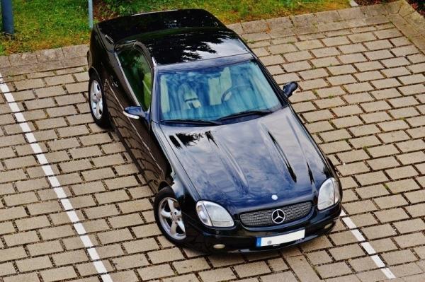 samochód mercedes